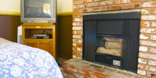 Hotel Suites in Big Bear at Fireside Lodge 006